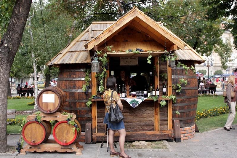 Vinske kućice su napravljene od autentičnih bačvi i buradi