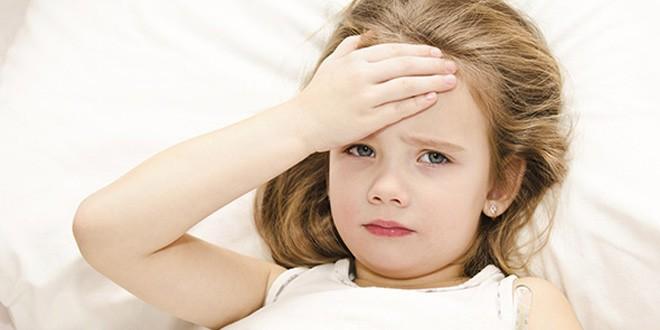 Dete ima visoku temperaturu preko leta ŠTA MOŽETE DA URADITE