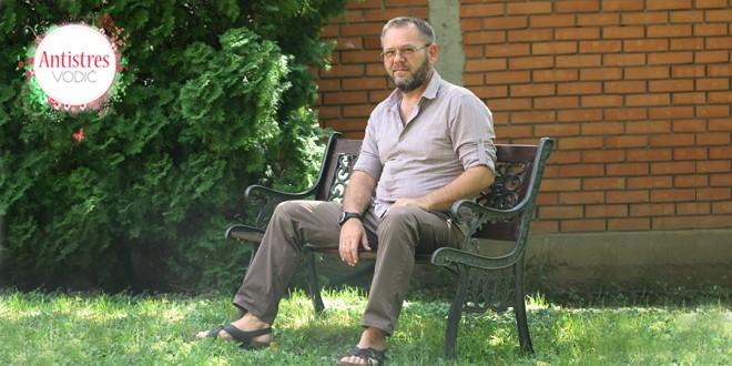Goran Kosanović RUKE KOJE SAME LEČE