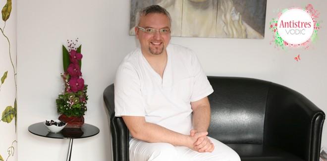 Dr Nenad Stanković