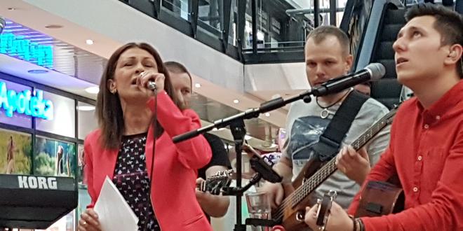 Održane prve Humanitarne press karaoke SVI POBEDILI!