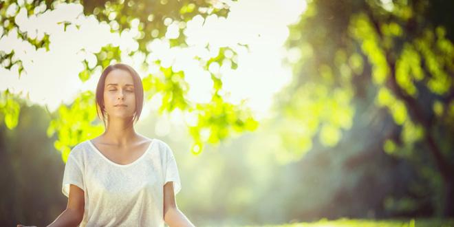 2 jednostavne vežbe za buđenje intuicije POKRENIMO SRČANU I DUHOVNU ČAKRU