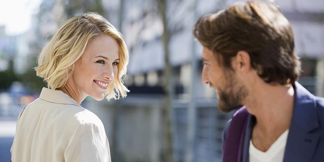 Kako da prepoznate kada se nekome dopadate Telo sve govori