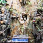 Neke od statua u dvorištu