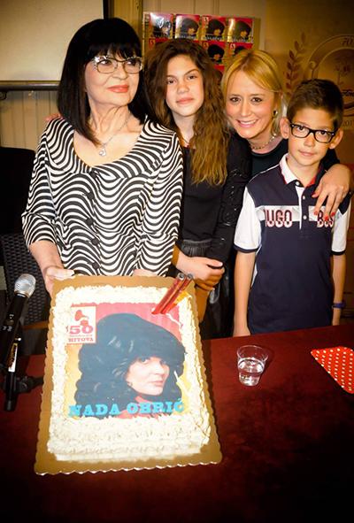 Nada, Natalija Cajic i Nadini unuka i unuk