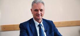 Prof. dr Nemanja Damjanov Nova metoda za lečenje bola u ramenu